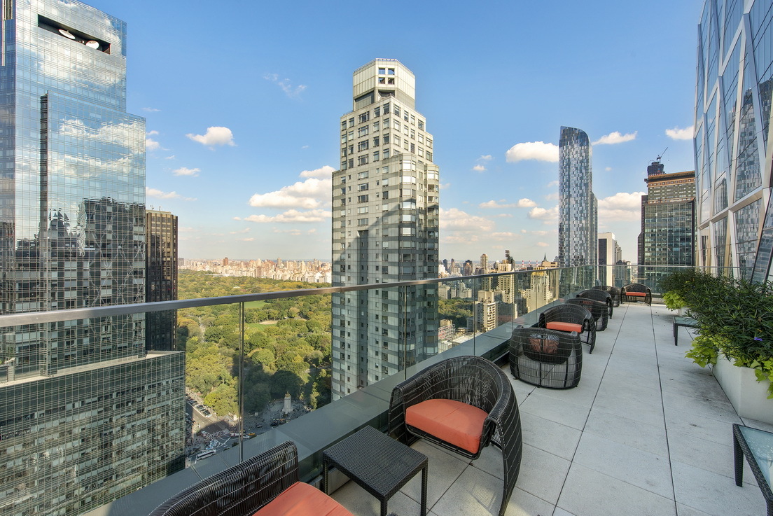 322 West 57th Street, 18K, Building Outdoor Space