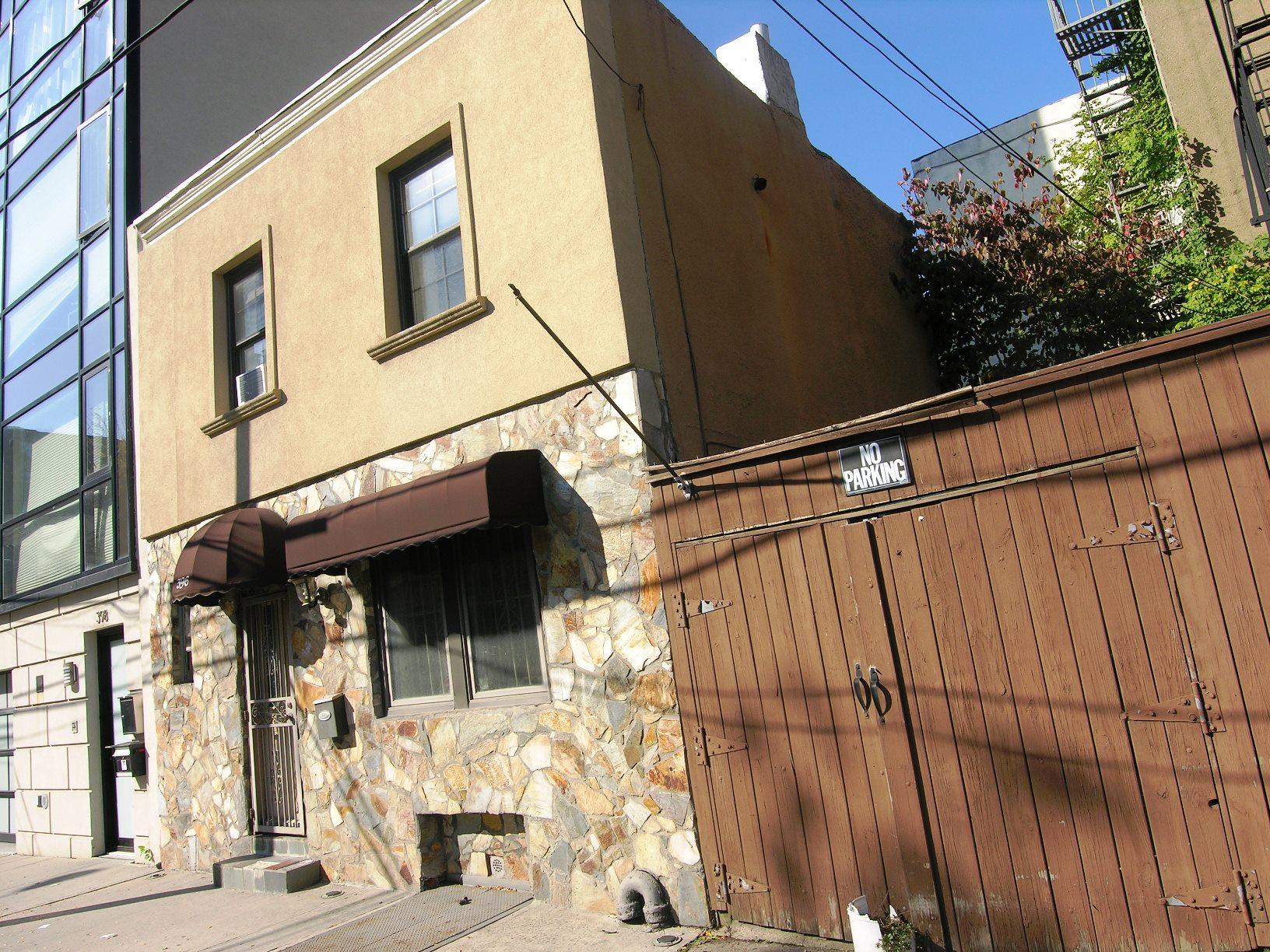 Corcoran, 394 Bond Street, Apt. TH, Carroll Gardens Rentals ...
