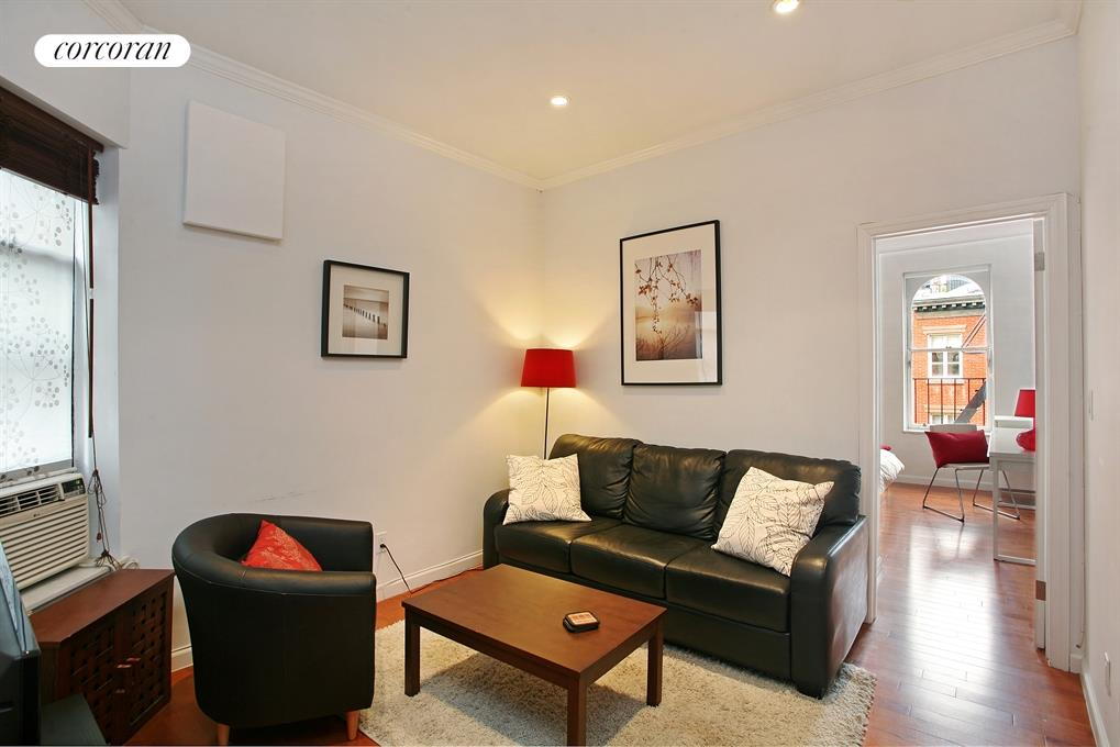 28 Perry Street, 3W, Living Room