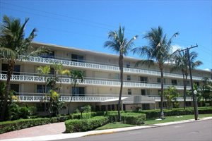 139 Sunrise Avenue #105, Palm Beach