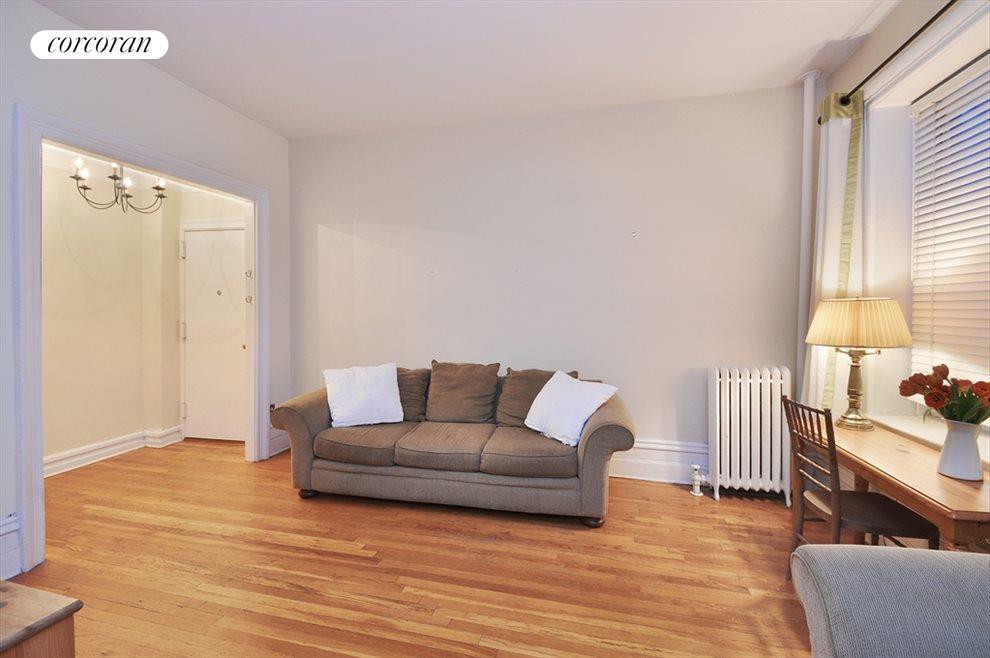 Living Room/Nice Entryway