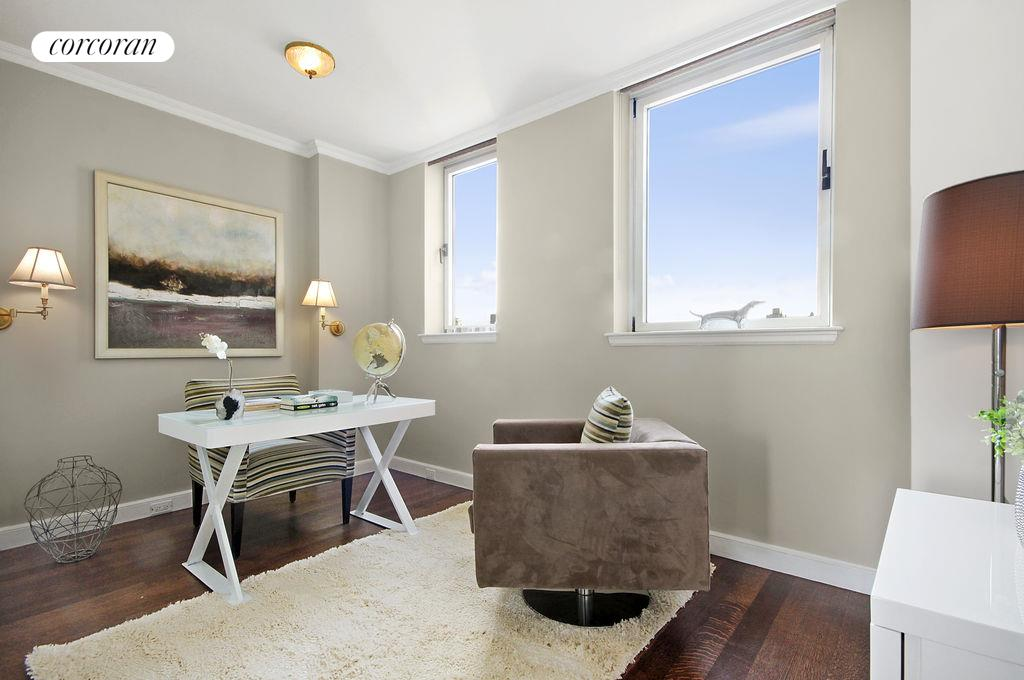 201 East 80th Street, 21A, Living Room
