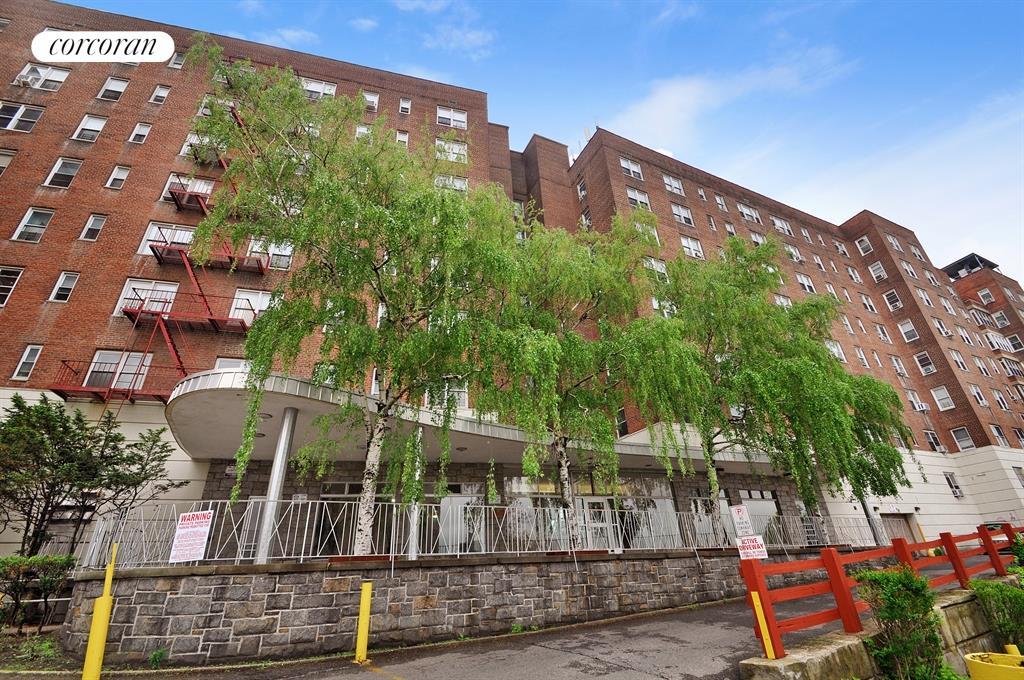 Corcoran 2630 kingsbridge terrace apt 5a bronx rentals for 3049 kingsbridge terrace