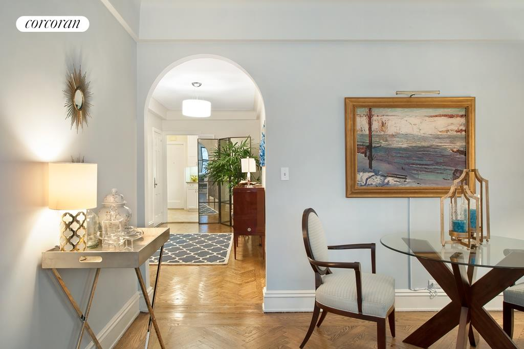 40 East 88th Street, 3D, Spacious Living Room