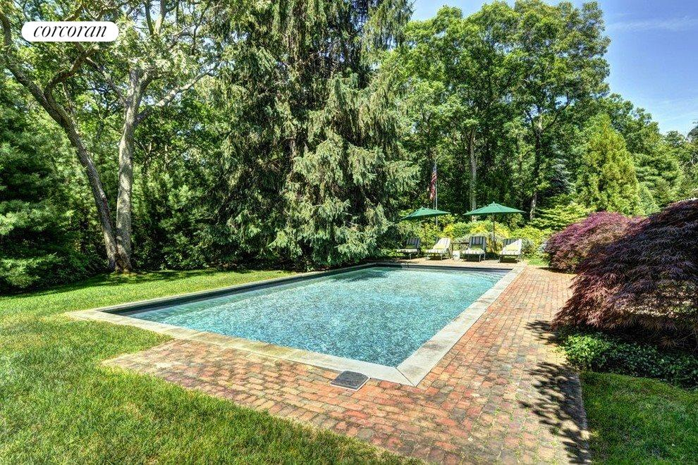 Stunning grounds with specimen trees