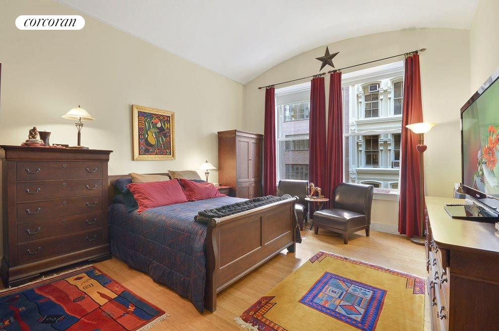 Generously proportioned master bedroom