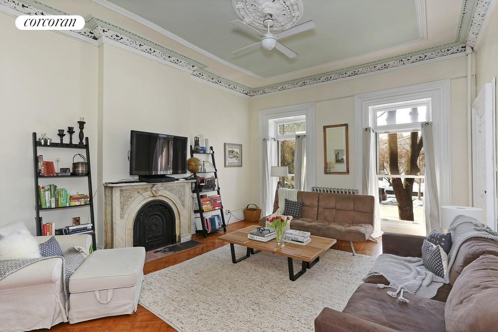 135 Clinton Avenue, 2, Living Room