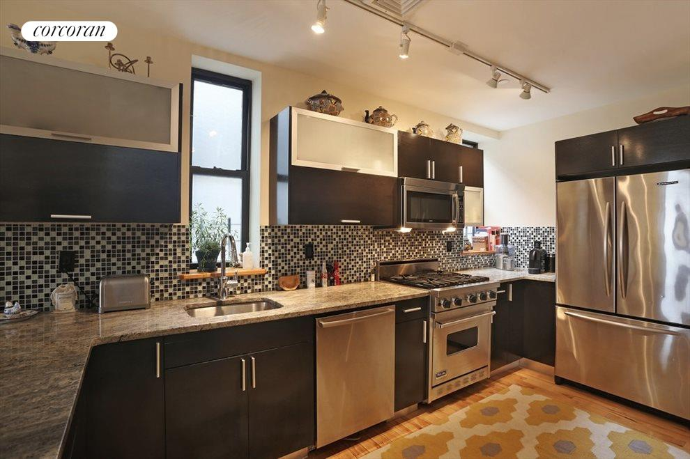 Kitchen w/ Viking Range