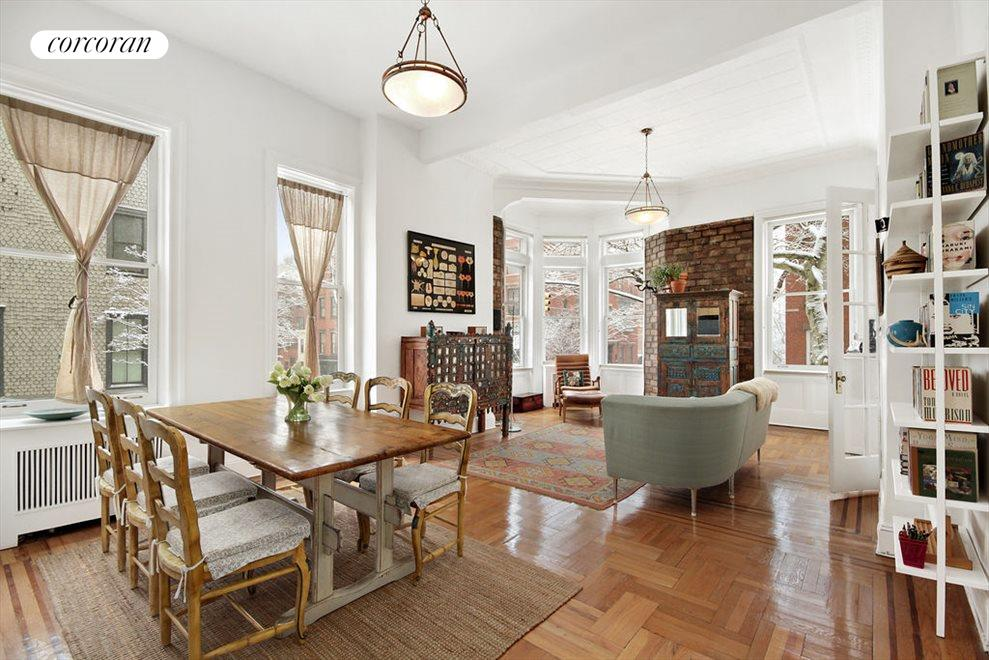 Large LR w Beautiful Bay Window and High Ceilings