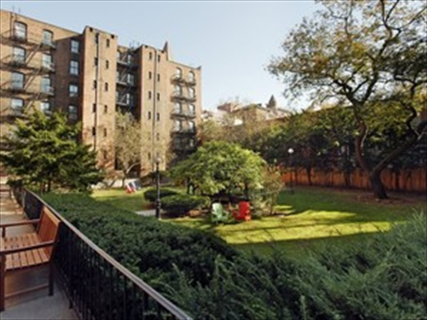 Residents' Courtyard