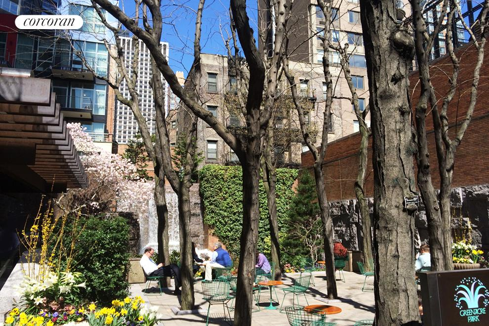 211 East 51st Street, 11D, Casual Entertaining Outdoors.
