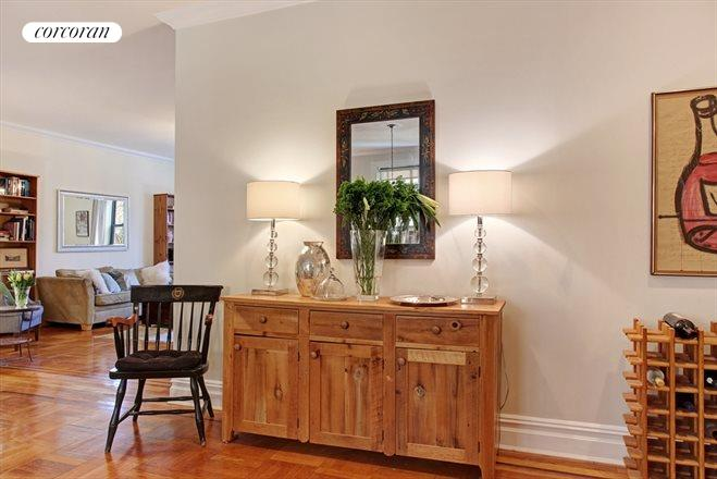 225 Eastern Parkway, 3E, Gracious gallery foyer...