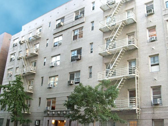 210 West 19th Street, 3K, Prime Chelsea Location