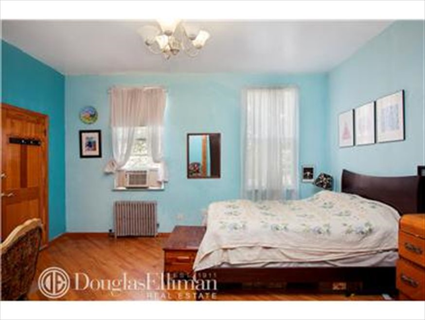 New York City Real Estate | View Freeman Street | room 3