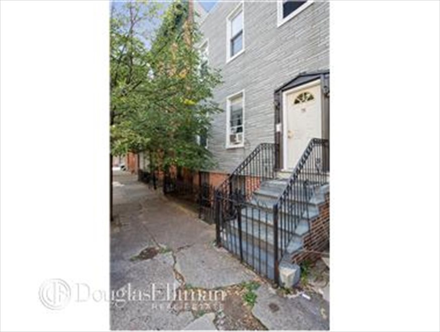 New York City Real Estate | View Freeman Street | room 5