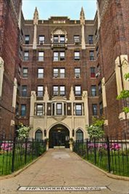 New York City Real Estate | View Eastern Parkway | room 25