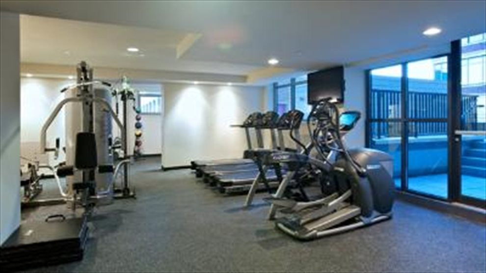 Fitness room with sun terrace