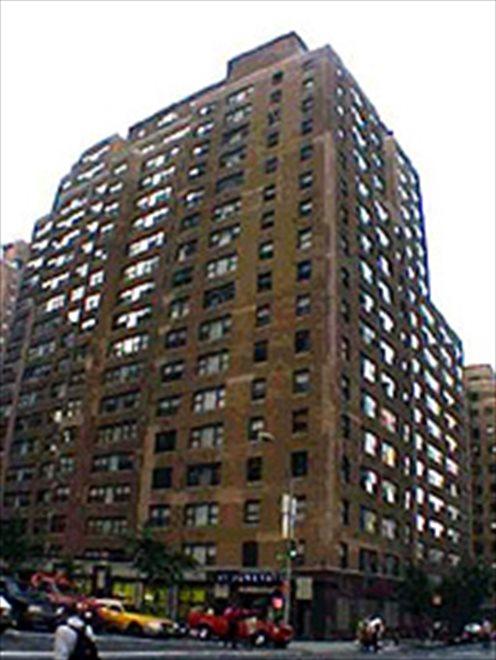 305 E 40 ST-Building Exterior