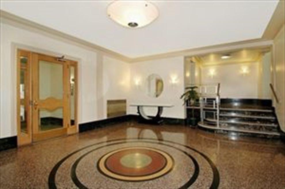 Robin Court Art Deco Lobby