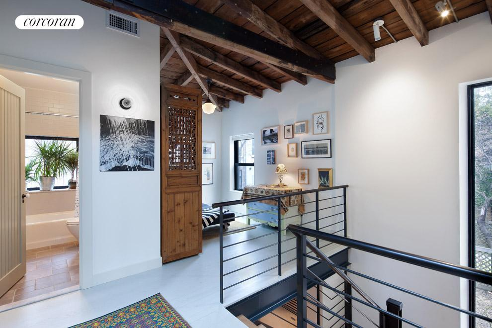 Corcoran 36 strong place cobble hill rentals brooklyn for Townhouse for rent nyc