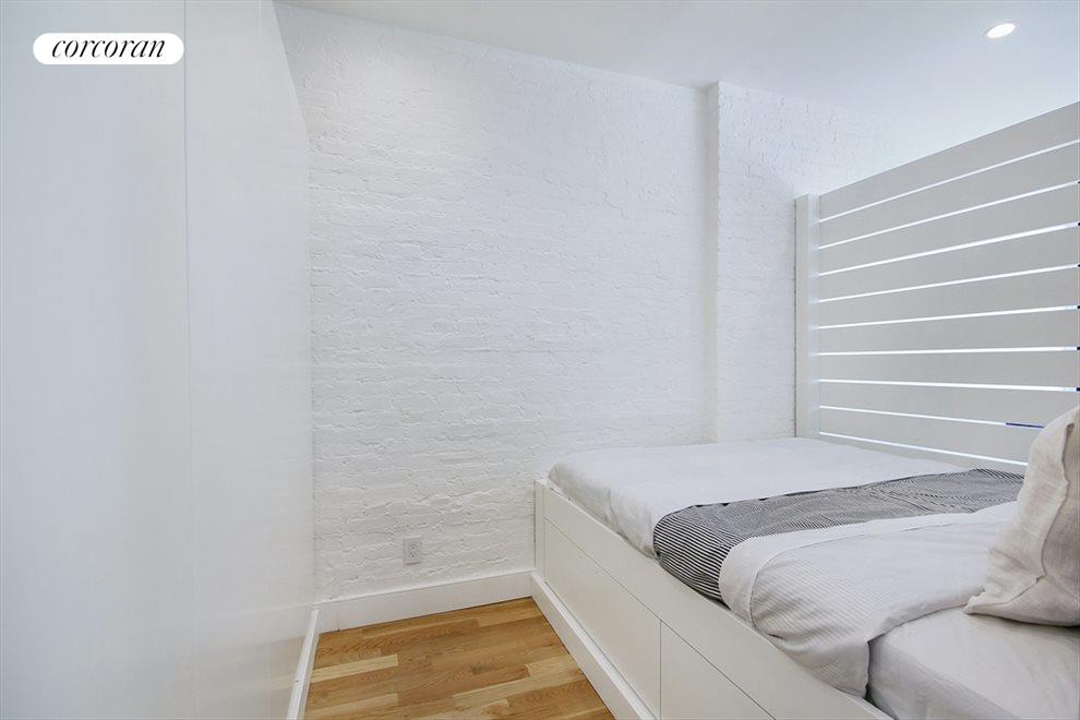 New York City Real Estate | View 851 Franklin Avenue, #2A | Bedroom