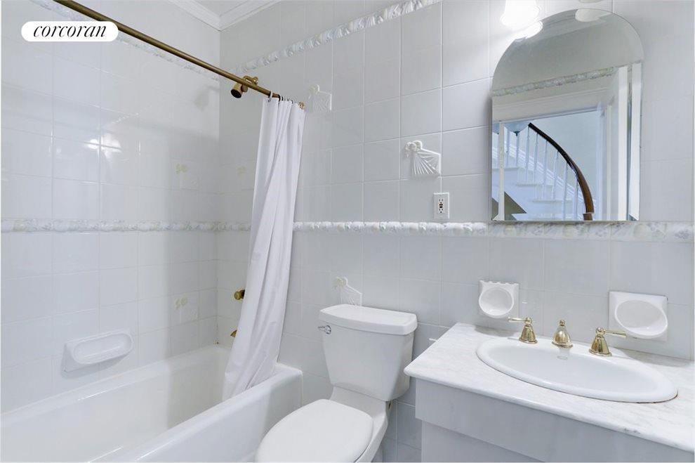 Classic Porcelain Tiled Bathroom