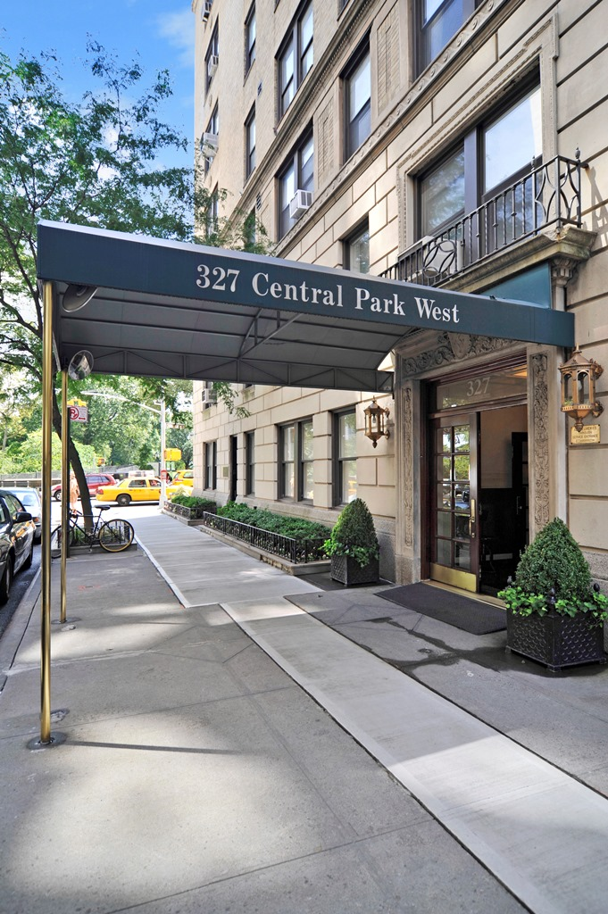 327 Central Park West, 7E, Living Room / Dining Room