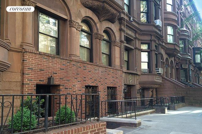 8 West 71st Street, 4B, Building Exterior