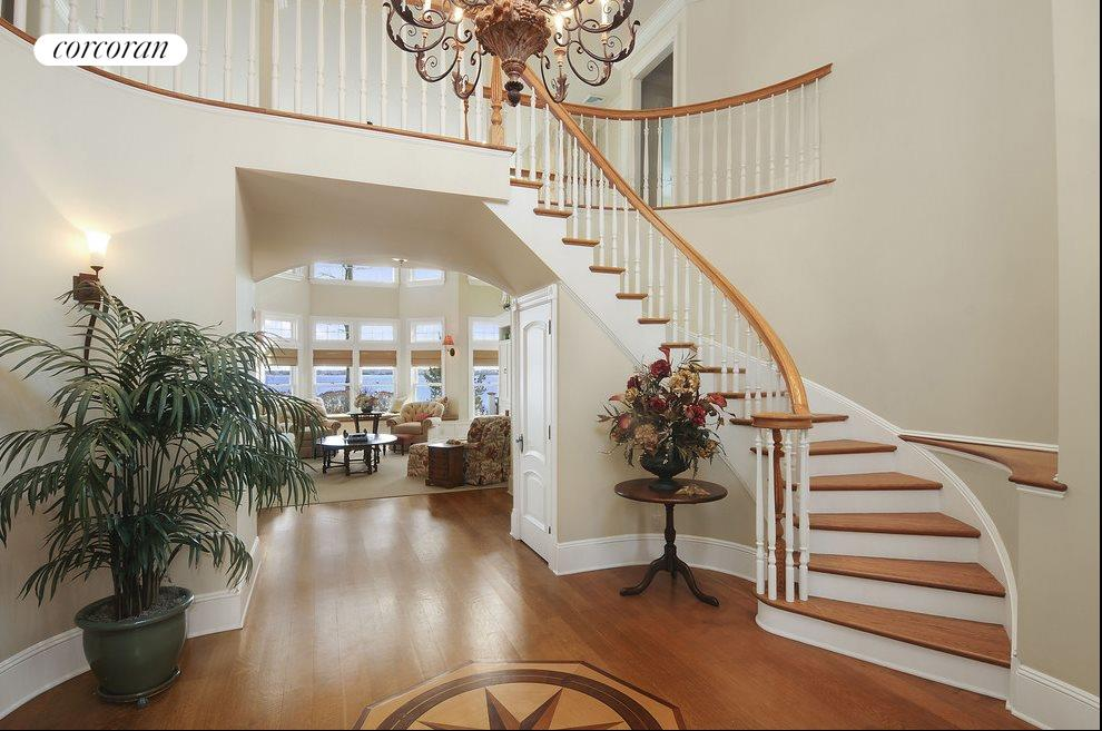 Grand entrance hall with sweeping staircase