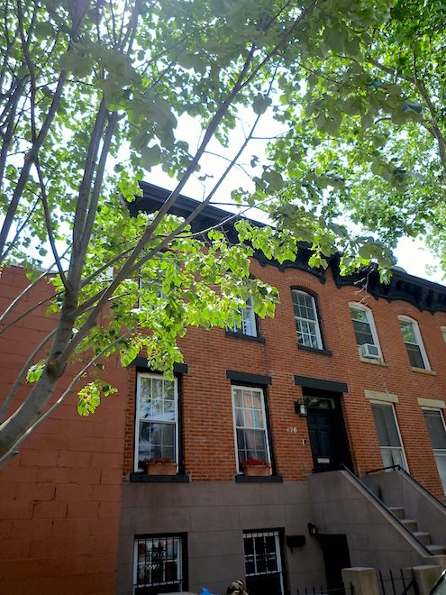 476 DeGraw Street exterior