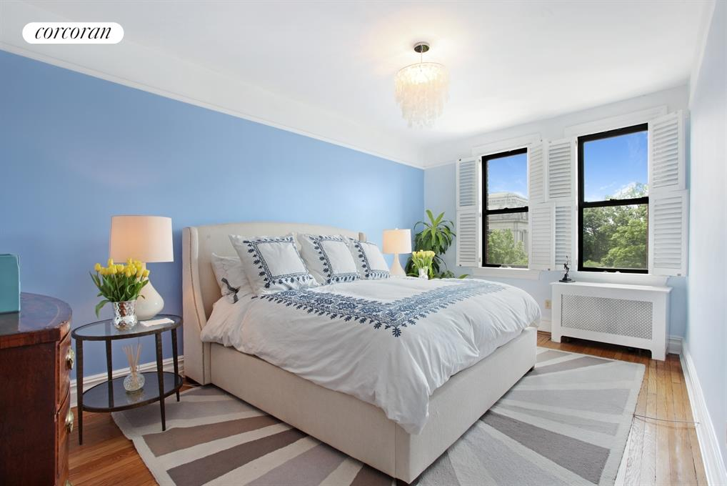 125 Eastern Parkway, 5a, Stunning light and views...
