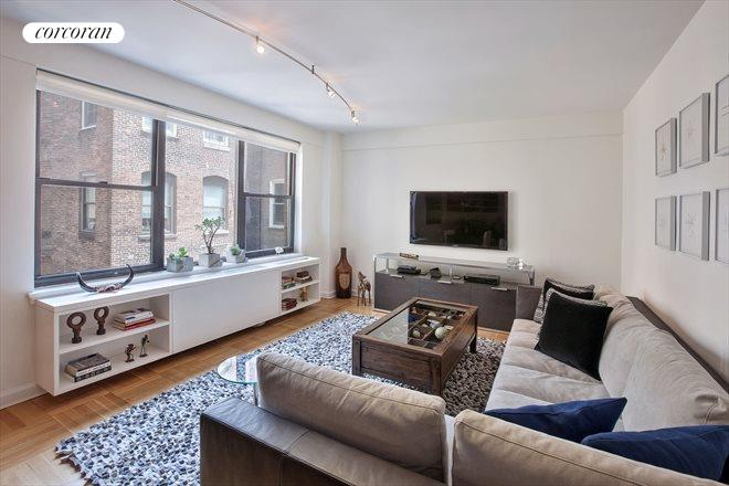 49 West 12th Street, 7G, Living Room