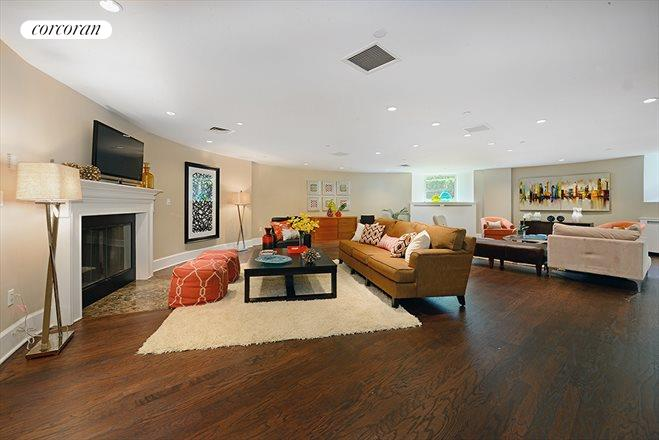 455 Central Park West, LM6, Living Room