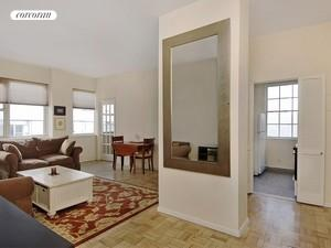 200 East 58th Street, 15A, Living Room