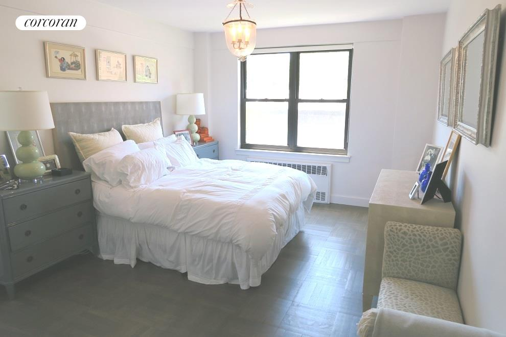 49 West 12th Street, 7F, Living Room