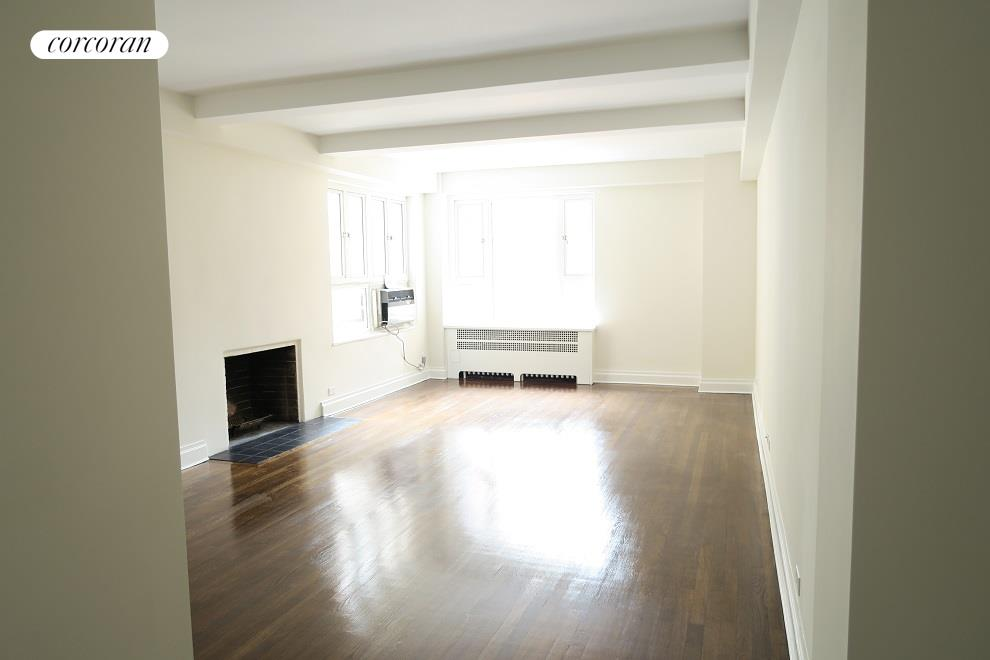 240 Central Park South, 8N, Living Room