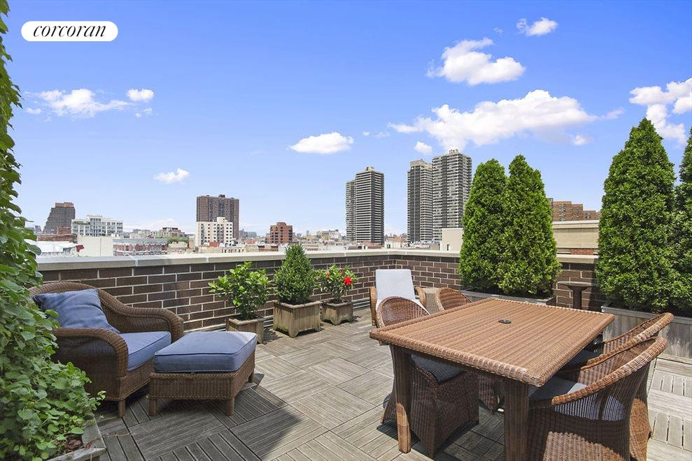 A true penthouse with huge terraces and views