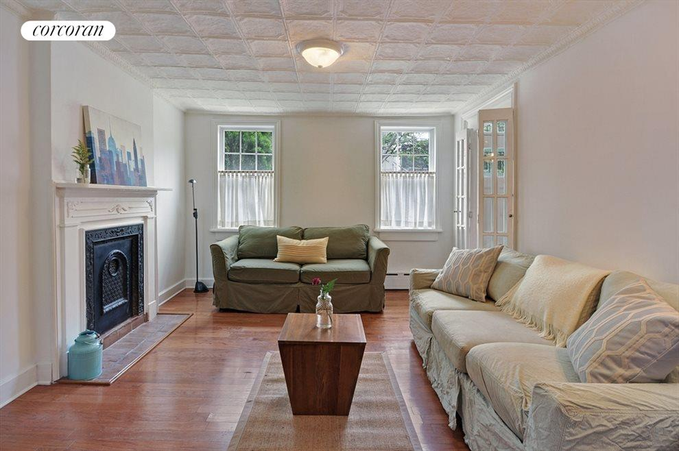 Sweet Living Room with Decorative Original Mantle