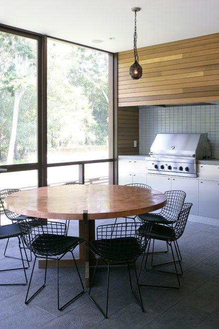 Screened living/dining room