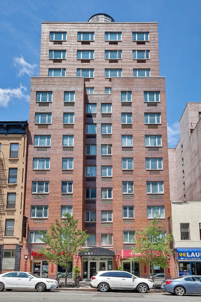 1810 Third Avenue, B-8D, Building Exterior