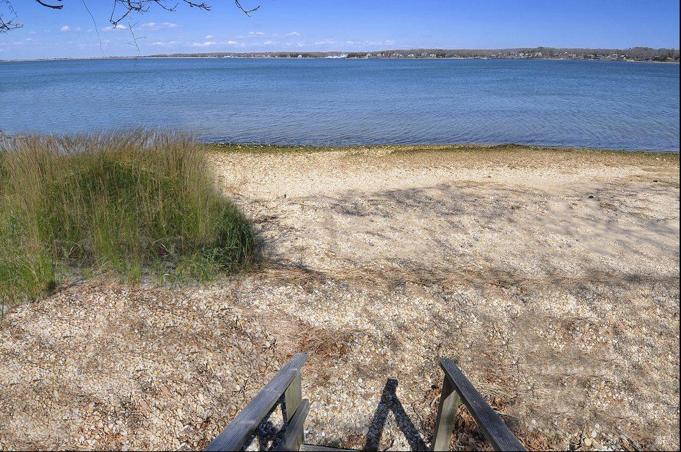 Access to Three Mile Harbor