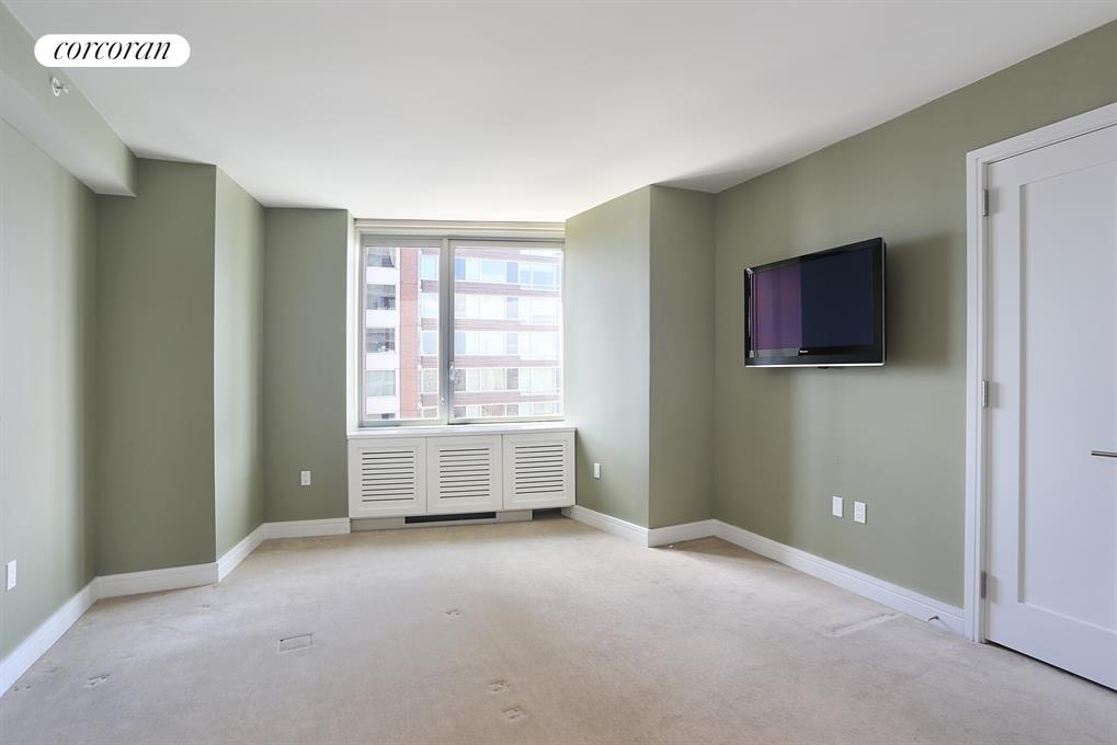 30 West Street, 27E, Living Room