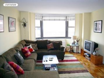 200 East 90th Street, 7H, LIving Room