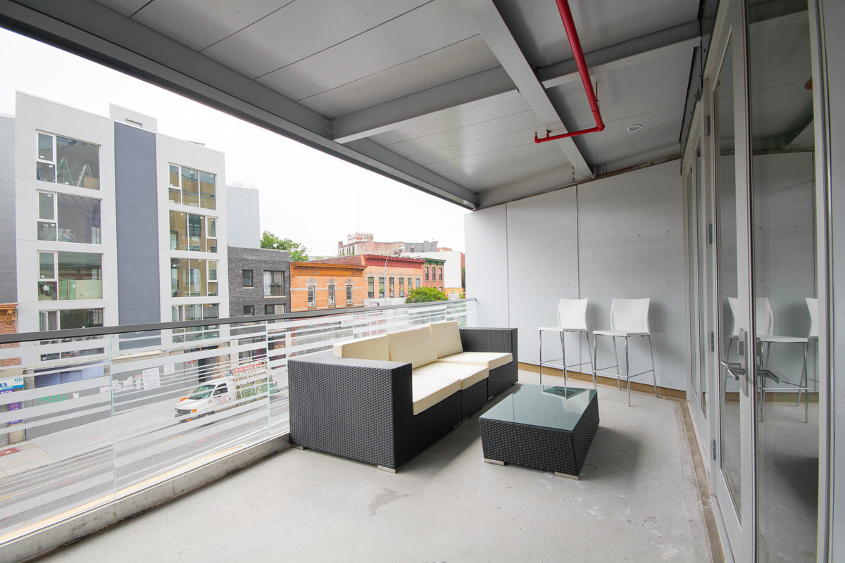 618 Washington Avenue, 501, Radiant heated concrete floors