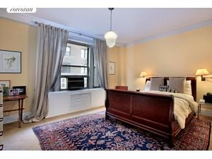 103 East 84th Street, 4A, South-facing Living Room