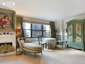 165 West End Avenue, 4A, Living Room