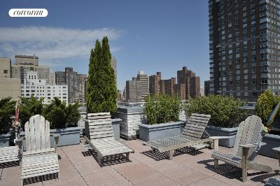Furnished Roof Deck