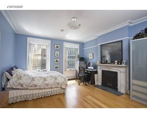 147 Broadway, 3, Living Room