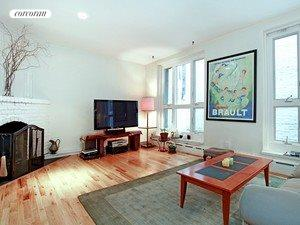264 West 23rd Street, A1, Living Room