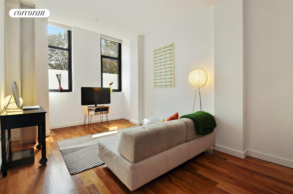 161 North 4th Street, 1F, Bright and inviting living area
